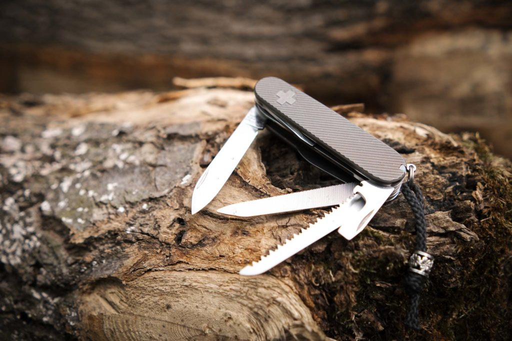 Daily Customs Scales Griffschalen Victorinox SAK Swiss Army Knife Ranger Pocket Custom Mod Modding